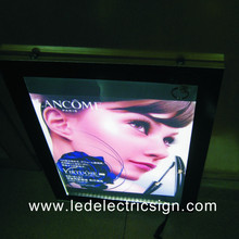 The Bus Stop Advertising Display with LED Light Box(China)