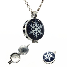 1pc Vintage Silver Snowflake Design Essential Oil Fragrance Aroma Diffuser Trendy Cameo Locket Pendant Necklace Jewelry Gifts