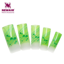 2016 New Brand 70 pcs False Nail Shiny Green Stripe Pattern Design Airbrush Long Fake Nail Art Tips High Quality