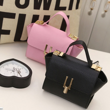 1PCS Famous Trapeze Bag Pink Women Leather Handbags Luxury Twist Lock Shoulder Bag Small Messenger Crossbody Bags For Women