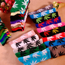 Auturn&Winter Maple Leaf Socks Long Fashion Weed Socks Men Skateboard Hiphop Socks Meias Women Unisex 3d Couple Socks 1 Pairs