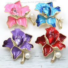 WEIMANJINGDIAN Factory Direct Sale Pink / Purple / Red Enameled and Crystal Flowers Brooches For Women(China)