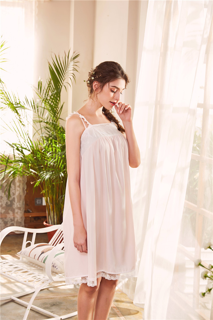 2018 New 2 Piece Robe Set Lace Chemise Full Slips with Victorian Robe Retro Palace Robe Gown Set GT046 3