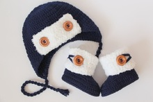 Crochet baby booties and hat set,baby boy set, pilot, shoes,navy blue, white, wooden buttons, photo prop, 0-3m baby shower gift