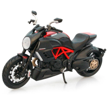 1:12 Maisto Ducati Diavel Carbon 1090R Model Motorcycles Alloy Diecast & ABS Motor Model Toy Motorcycles For Kids Boys Toys