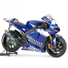Assemble Yamaha Motorcycle Model 14116 1/12 YZR - M1 05 Racing