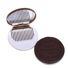 1pcs Portable Cartoon Chocolate Small Mirror Comb Women Cute Convenient Sandwich Make-up Mirror Biscuit Mirror Comb Color Random