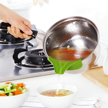 Creative Mini Liquid Silicone Funnel Soup Pot Circular Rim Deflector Anti Leakage Cooking Tools Kitchen Accessories