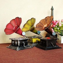 Metal Retro Phonograph Model Vintage Record Player Prop Antique Gramophone Model Home Office Club Bar Decor Ornaments