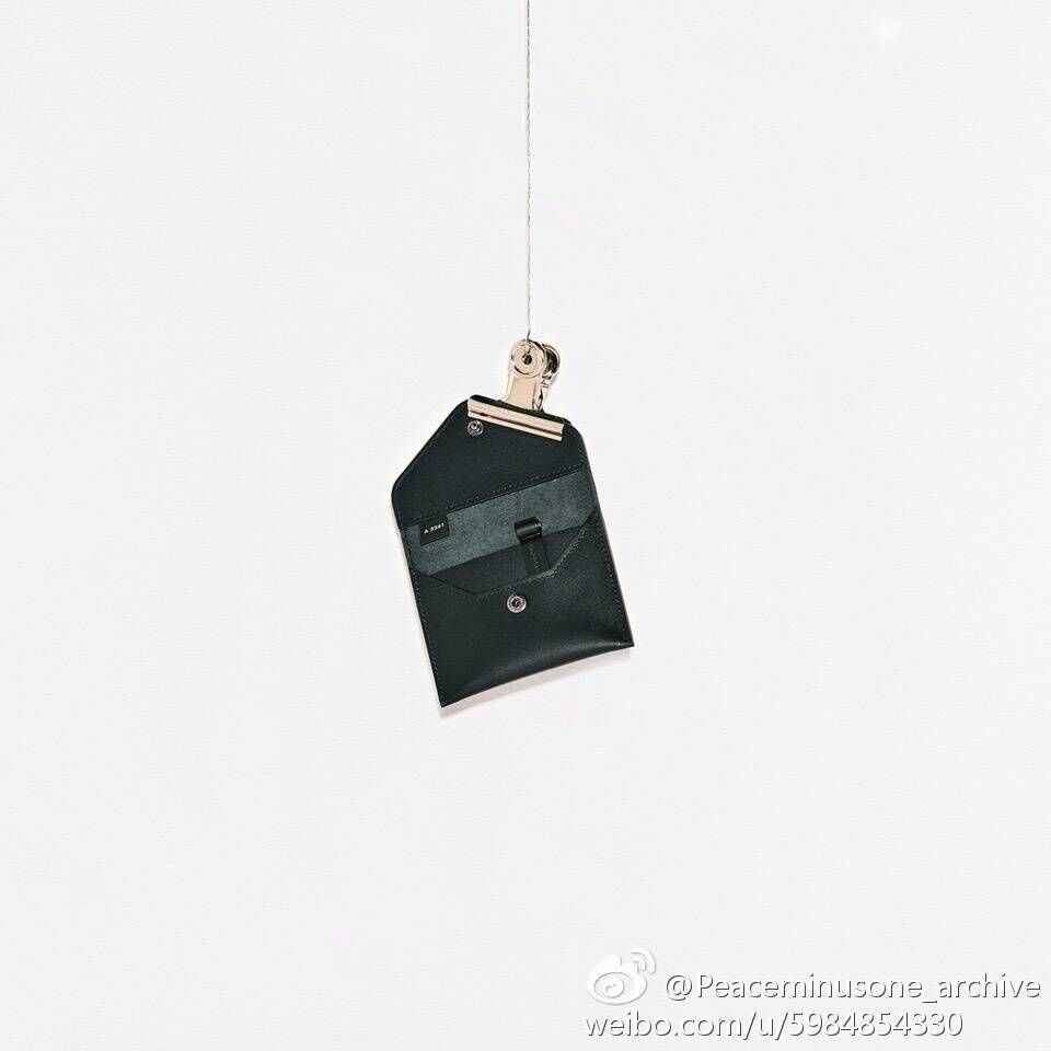 NEW-G-Dragon-Peaceminusone-PMO-PU-Mini-Bag-Collection-Purse-Black-Mini-Wallet (4)