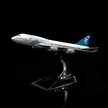 1:400 16cm New Zealand Boeing 747 Metal Airplane Model Office Decoration Toy Gift Idea(China)