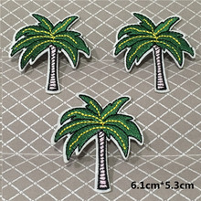 2PCS New Fashion Lifelike Coconut Tree Patch Embroidered Iron On Patches for Clothes Applique Badge Felt Stickers DIY Accessory(China)