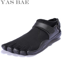 Yas Bae Size 45 44 Sale China Brand Design Rubber with Five Fingers Outdoor Slip Resistant Breathable Light weight Shoe for Men