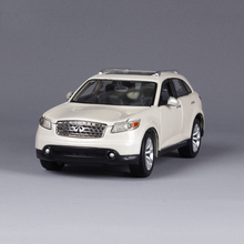 Maisto 1/24 Infiniti FX45 SUV White Car Model Diecast Collections Displays Gifts Toys For Boy Children Brinquedos