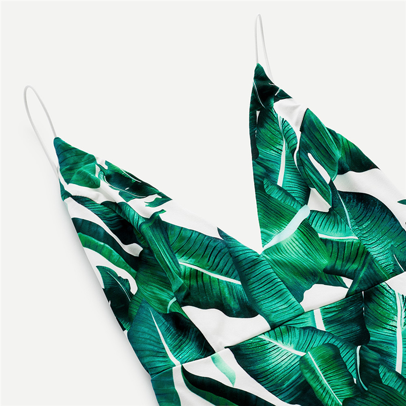 Roheliste lehtedega suvekleit