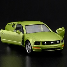 High Simulation Exquisite Diecasts&Toy Vehicles: KiNSMART Car Styling 2006 Ford Mustang GT Supercar 1:38 Alloy Diecast Car Model