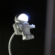 Novelty Mask Astronaut Model LED Night Light Computer Power Bank USB Power Lamp Learning Essential Students Eye Care Lights