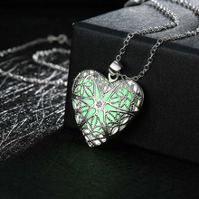Environmentally Friendly Material Noctilucent Pendant Necklace for Kids Children Heart Star Hollow Necklace 2017 HOT SALE