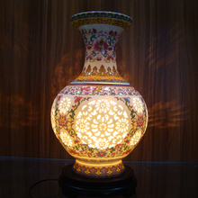 China Jingdezhen Vintage style porcelain ceramic desk table lamps for bedside chinese Porcelain study table lamp(China)