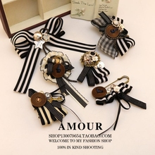 The wind, black and white striped cloth Brooch corsage vintage clothing jewelry art fan assembly 1pcs