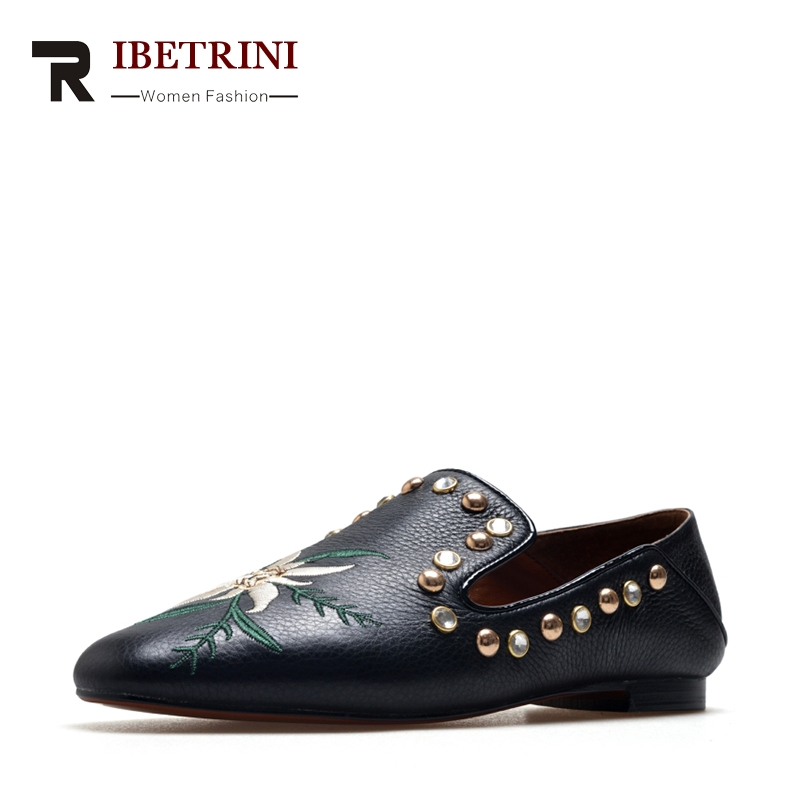 RIBETRINI Spring Autumn Embroider Cow Leather Large Size 34-42 Foldable Post Trample Loafers Rivet Shallow Slip-On Women Shoes<br>