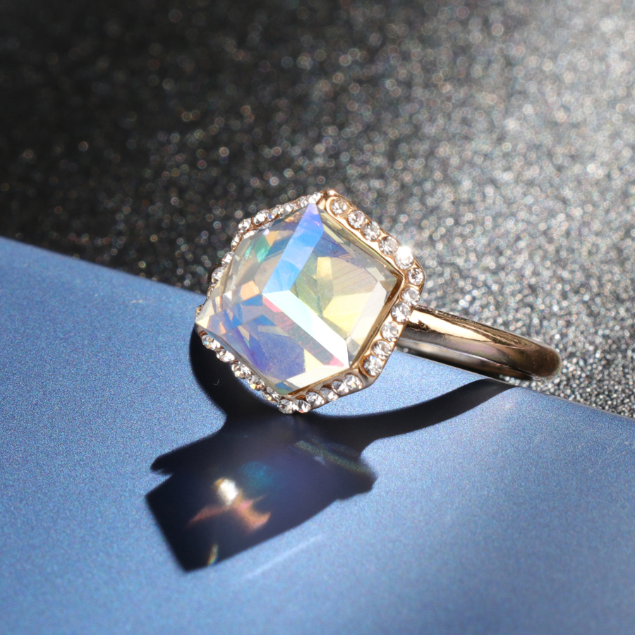 Kinel-Ladies-Fashion-Crystal-Engagement-Rings-For-Women-Luxury-Vintage-Cristales-Gold-Ring-With-Stones-Anneaux (3)