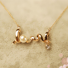 XS005 Clavicle Women Necklace LOVE Letters Simulated Pearls Crystal Pendant Colar Everyday Wear Fashion Jewelry Minimalist