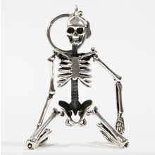 Foldable skeleton pendant key chain for men women antique silver color metal alloy skull bag charm key ring car keychain keyring(China)