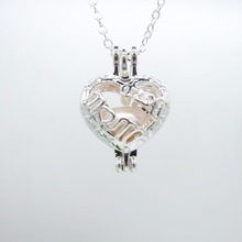 LOVE MOM Letters Showed Hollowed Nice Heart with Nature Oyster Pearl Love Wishes Necklace for Best Monther