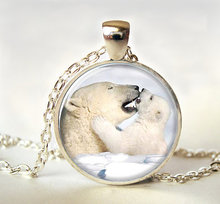 2017 new hot Hot Sale Polar Bear Necklace Polar Bear Love Jewelry Mother & kid Collares to.us bear gift Art photo pendant HZ1