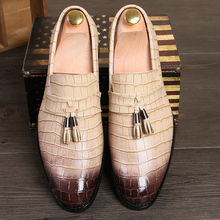 New Fashion Men's Tassel Crocodile Business Shoes Mens Party Driving Loafers Man Wedding Flats Moccasins Oxfords M411