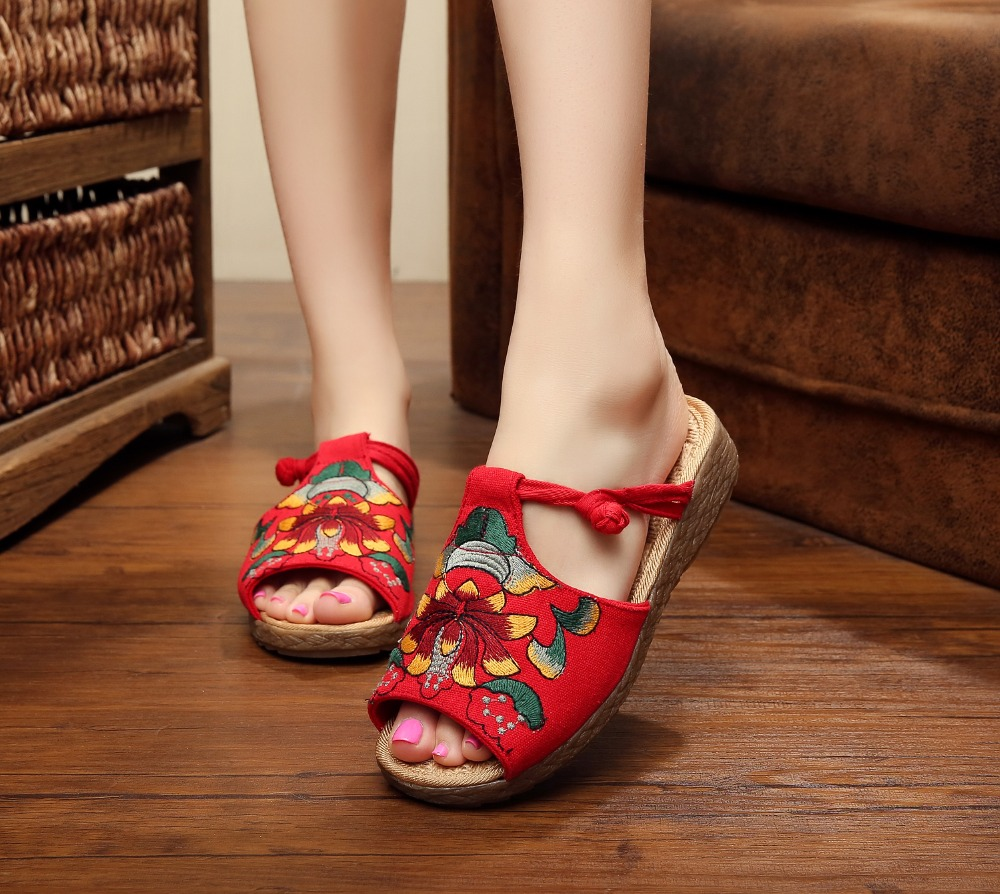 Shanghai Story Vintage Women Slippers Lotus Flower Embroidery Cotton Sandals Chinese Casual Slide Flat Shoes Slip On Peep Toe