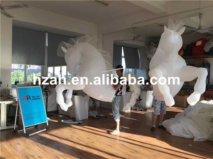 inflatable horse (12)