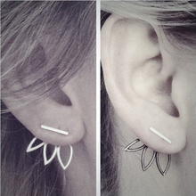 Fashion Design Earrings for Women Hollow Out Leaf Flower Stud Earrings Simple Metal Ear Jewelry 2A3004