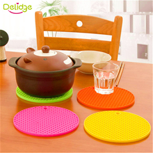 Delidge 1pc 5 Colors 15.7*15.7 cm round shape Table Mat Can Be Hung Durable silicone Non-Slip Heat Resistant Mat Cushion