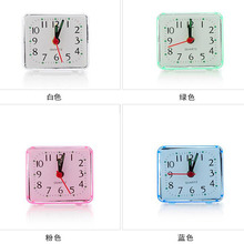 1pc/4 Colours Mini Desktop Alarm Clock Multi-function Well Square Trip Bed Compact Travel Quartz Beep Alarm Clock Portable Table