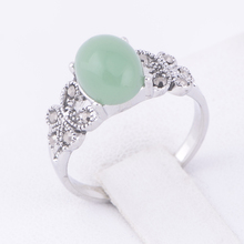 STOCK 2016 Antique Silver Plated Elegant Big Green Stone jade RhinestoneJewelry Vintage Rings For Women