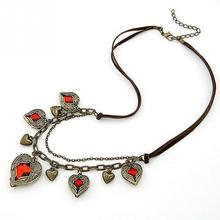 2017 Fashion Ladies Necklace Women Decoration Collar Girls Popular Red Crystal Heart Neck Pendants Chain Necklaces
