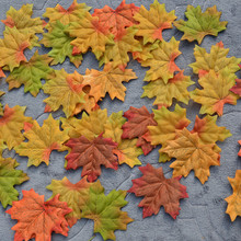 50Pcs Artificial Fall Silk Maple Leaves Wedding Favor Autumn Maple Leaf Decorations Booking Wedding Bedroom Wall Party Decor(China)