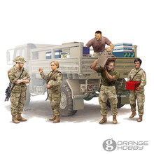 OHS Trumpeter 00429 1/35 Modern U.S. Soldiers Logistics Supply Team Assembly Military figures Model Building Kits