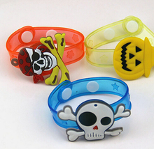 Halloween pumpkin skull Soft  Cartoon Led Bracelet toy Flashing Light Wrist Strap Band Glow Kids Toys YH175