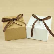 50PC/Lot Solid Brown and White Wave Edge Shaped Shabby Kraft Paper Card Wedding Party Gift Box Favour Candy Box with Jute Rope