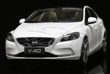 Diecast Car Model Volvo V40 1:18 (White) + SMALL GIFT!!!!!!!!!!!