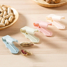 1pc Creative Nuts Shell Nuts Seeds Peeling Clamp Pliers Wipe Melon Seeds Off Tool Peanuts Pistachio Sunflower Seeds Peeler(China)