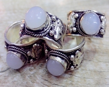 5Pcs/Lot Classic old Tibet Silver ring Carved Lace inlay White moonstone Bead Nepal Ring Adjustable Unisex