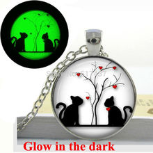 Glow in the dark Necklace Pendants,Hearts Silhouette Necklace Valentine Gift, Glass Art Photo Glowing Jewelry Jewelry(China)