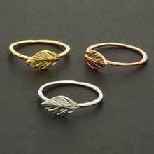1PCS- R031 Fashion Tree Leaf Ring Cute Feather Ring Olive Maple Olive Leaf Ring Simple Nature Vine Rings for Ladies Women