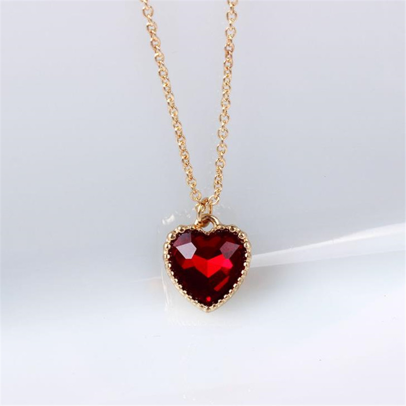 2018 Love / Heart Necklace Jewelry Source Factory Wholesale Original Soft Meng Sister Red Glass Clavicle Chain