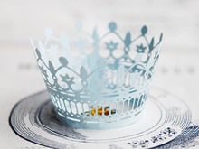 Free Shipping light blue lace crown wedding cupcake wrappers paper cupcakes cup cake birthday baby shower baking cups wrapper(China)