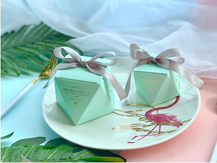 New PinkRedBule Diamond Shape Baby Shower Candy Boxes Wedding Favors and Gifts Boxes Birthday Party Decoration for Guests (13)